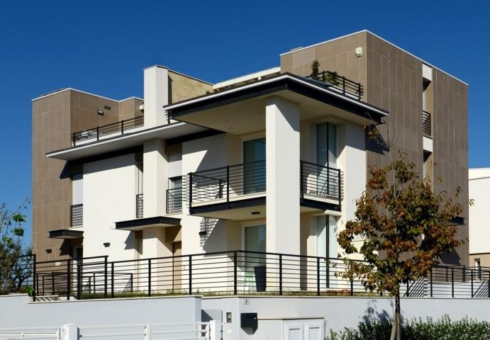 Progetto di una villa bifamiliare for Piani di progettazione di una villa